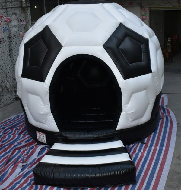 BH1817 Soccer Bouncy Castle Springkussen Heracles 2